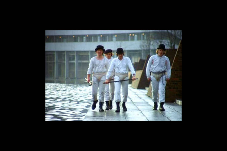 http://static.cinebel.be/img/photo/big/258_a_clockwork_orange_1310560790681.jpg